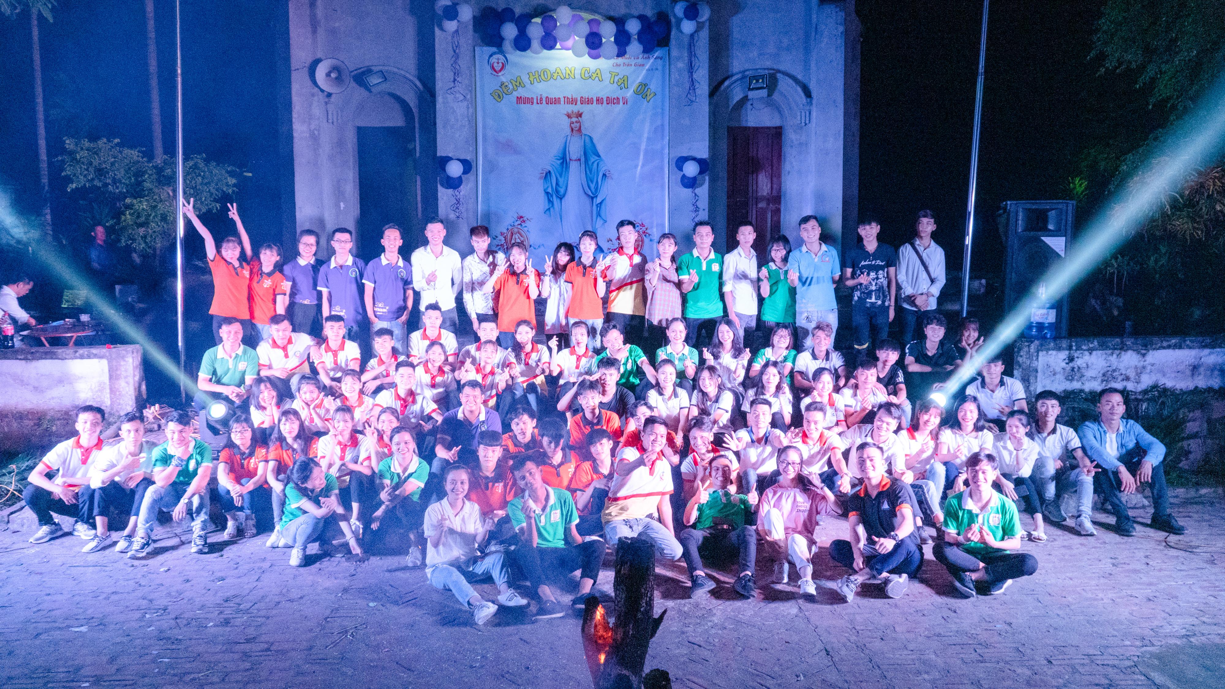 Giới Trẻ Giáo họ Địch Vĩ – Giáo xứ Thụy Ứng – TGP Hà Nội Mừng Lễ Quan Thầy Đức Maria Nữ Vương Và Kỉ Niệm Sinh Nhật Lần Thứ VII