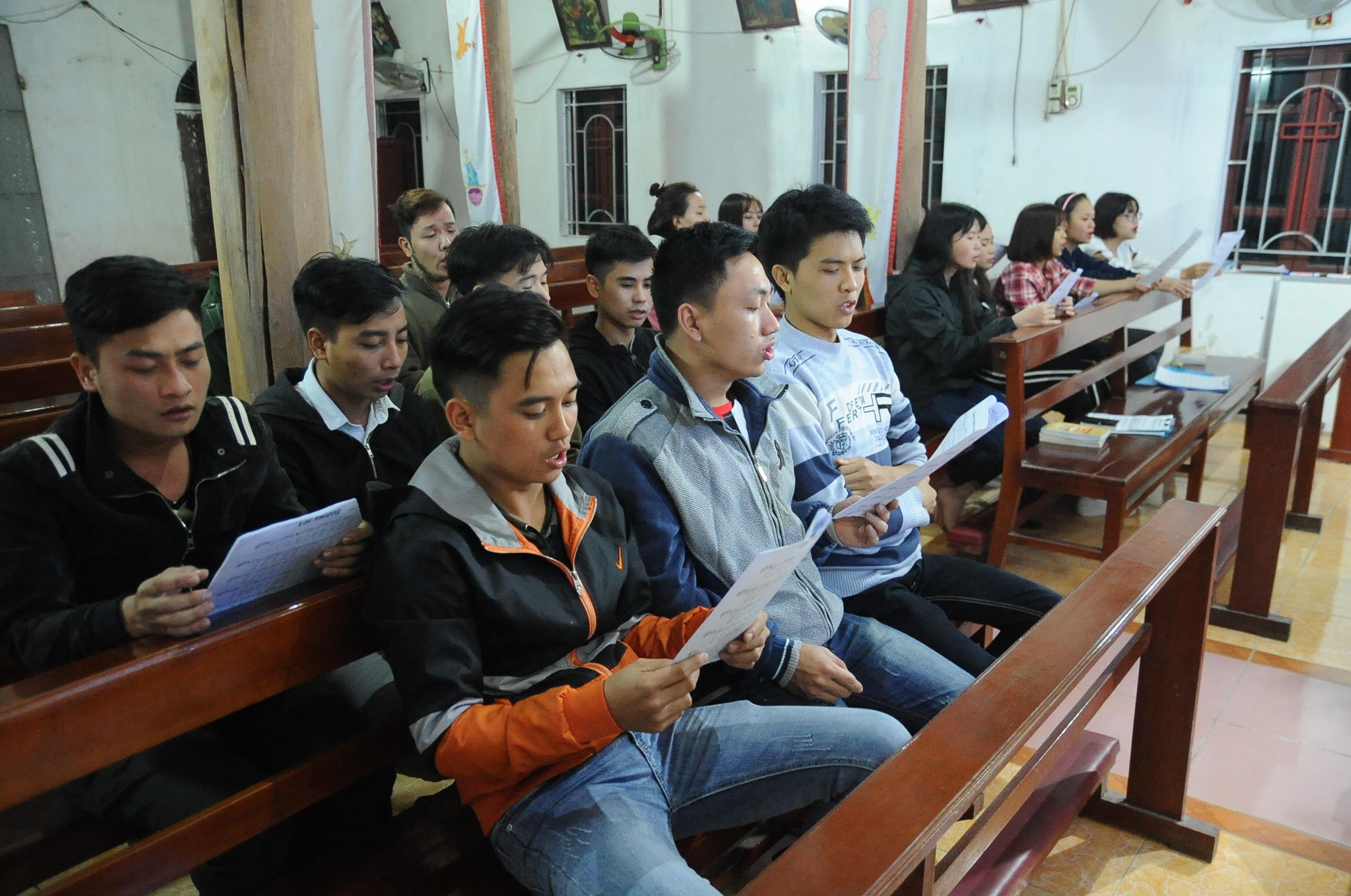 Công tác chuẩn bị Lễ Bổn Mạng & Truyền Thống lần thứ XI của SVCG Di Trạch